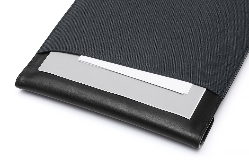 57f4f1844a ... Bellroy Laptop Sleeve Extra tkaný obal na 15   notebook s bočnými  vreckami - antracit ...